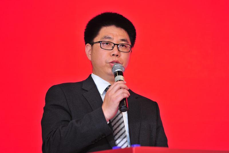 中国道路运输网主编奚乐夫照片