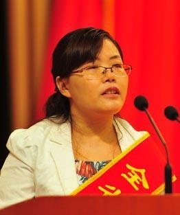 海南师范大学化学与化工学院副院长陈光英照片