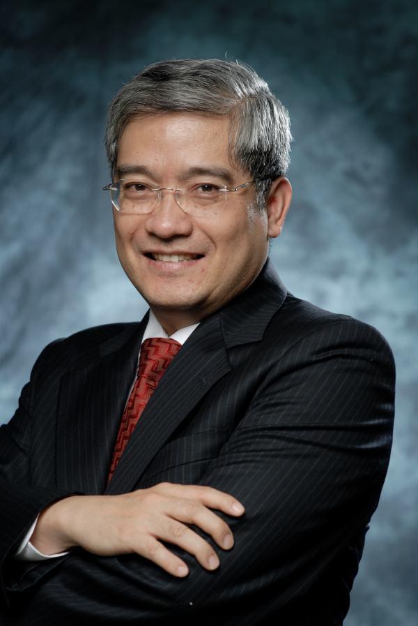 著名经济学家郎咸平照片