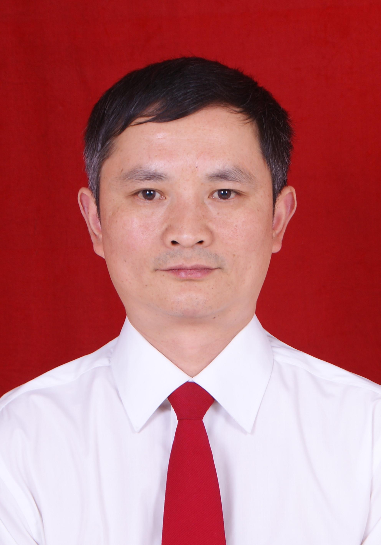 四川省石棉县人民医院院长,外科主任医师李兴贵照片