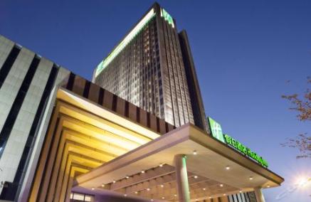 苏州汇融广场假日酒店