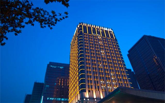 朗昇希尔顿酒店