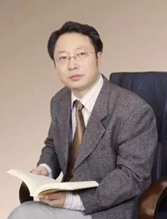 华哲智库品牌研究院院长范恒星照片