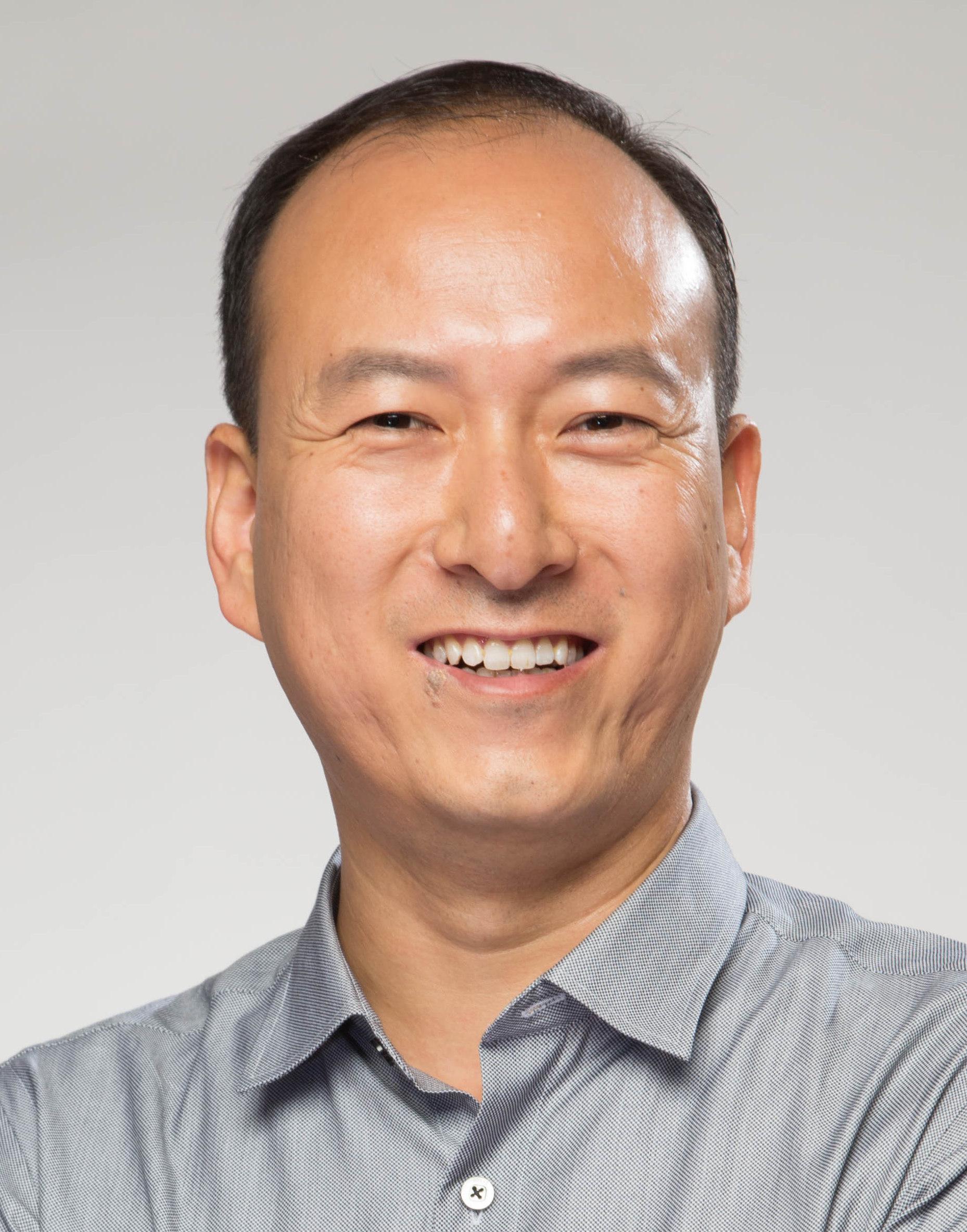 雷柏科技联合创始人李铮照片