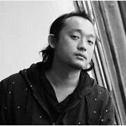 中央美院实验艺术系教师王郁洋照片