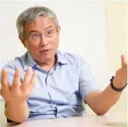 北京大学中国经济研究中心教授周其仁照片