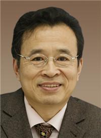 上海理工大学电子商务发展研究院院长杨坚争