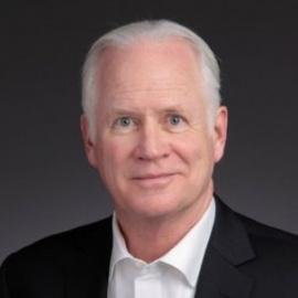 中美清洁能源论坛首席执行官Dennis Bracy照片