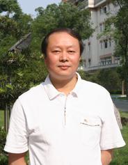 西南民族大学校长曾明