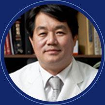 整形外科医院院长  大韩整形外科医师会顾问  金荣镇