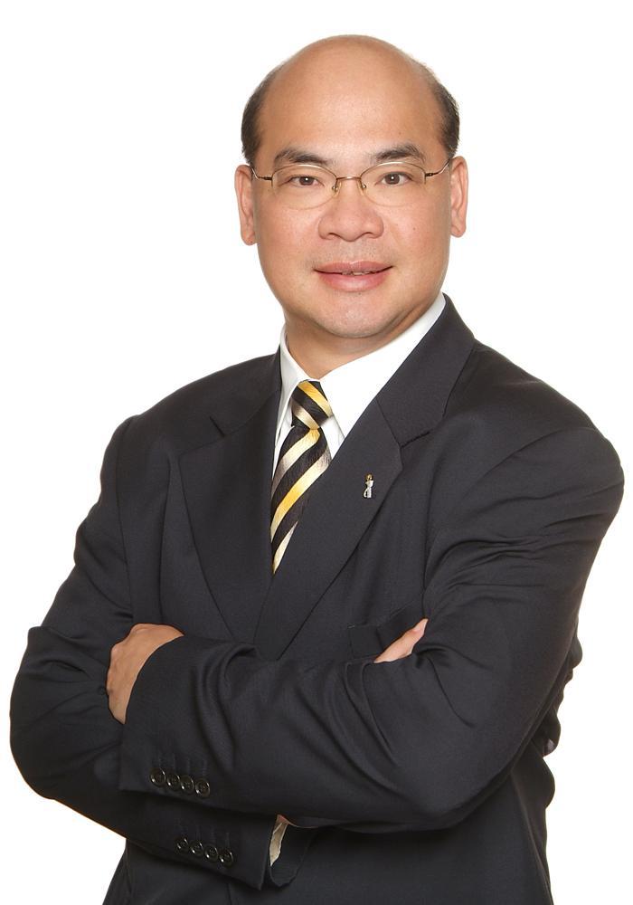 香港青年工业家协会会长张华强照片