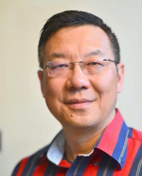 香港理工大学纺织及制衣学系高级研究员胡军岩