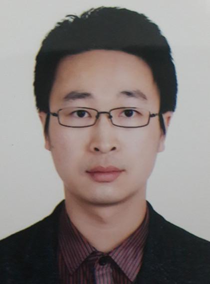 同济大学生命科学与技术学院教授刘琦照片