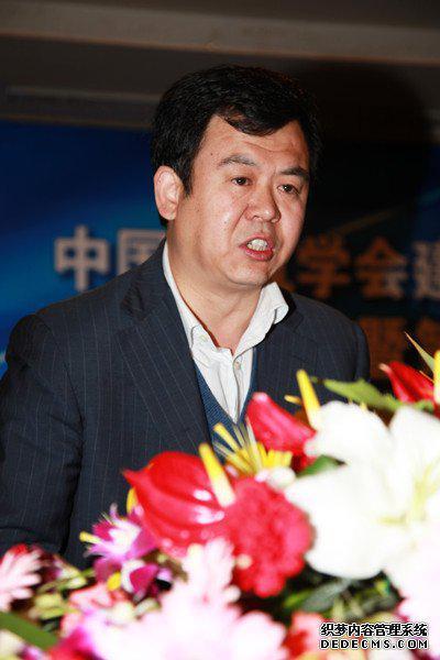 济南轨道交通集团有限公司董事长王国富照片