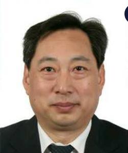 北京大明眼镜公司首席技师秦英瑞照片