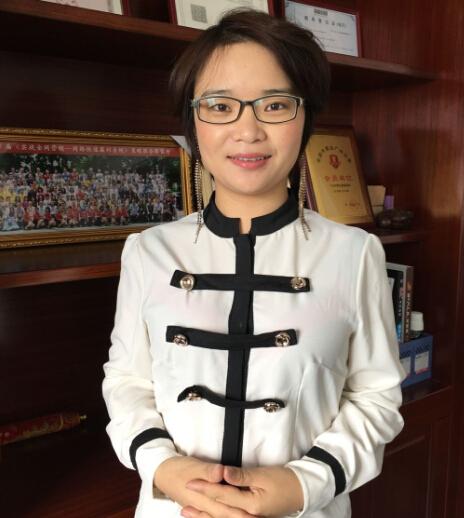 广州中赞国际货运代理有限公司创始人、董事长吕洁嫦照片
