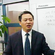 东风乘用车公司总经理李春荣照片