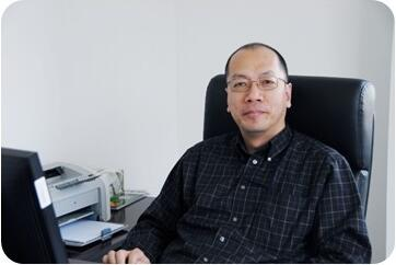 亚宝药业研究院院长博士王鹏照片