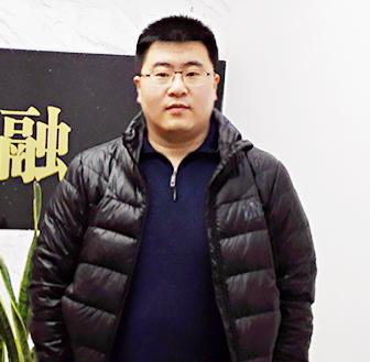 华东石油交易中心技术总监项峰臣照片