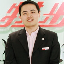 特步集团副总经理肖利华照片