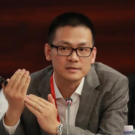 商汤科技集团公司商务副总裁柳钢照片