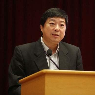 中国基金业协会副会长洪磊照片