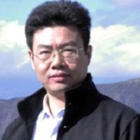 南京理工大学纳米光电材料研究所所长曾海波照片