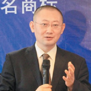 聚优纵联照明产业管理董事长吴正喆照片
