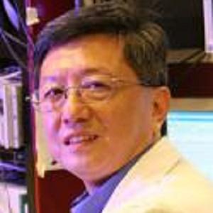 华中科技大学神经接口与康复中心实验室主任何际平照片