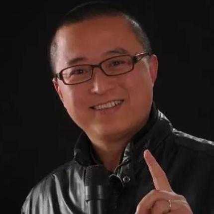 上海德必文化创意产业发展有限公司总裁贾波照片
