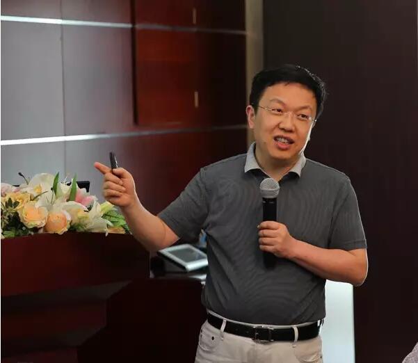 香港中文大学讲座教授陈韬文