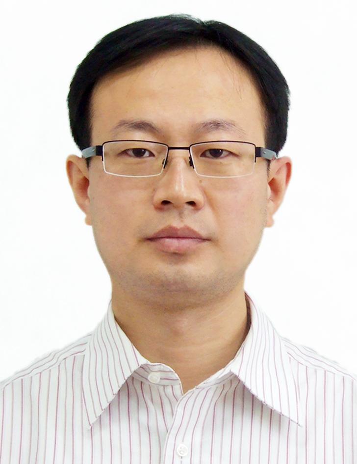 青岛眼科医院主任医师黄钰森照片