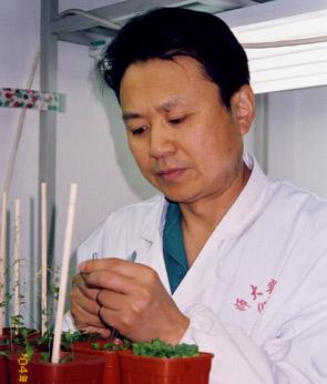 首都师范大学教授,博士生导师何奕騉