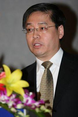 浙江大学信息与电子工程学院副教授王小知照片