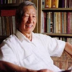 武汉大学中国周易研究会首任会长唐明邦