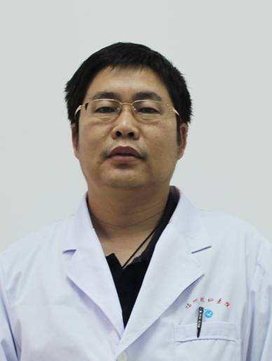 中国旭永眼科集团鄂尔多斯旭永眼科医院业务院长姜海峰照片