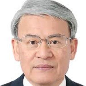 日本横滨药科大学教授Hiroshi