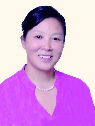 中国民间文艺家协会副秘书长周燕萍照片