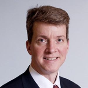 美国哈佛医学院麻省总医院外科ICU 主任J. Perren Cobb