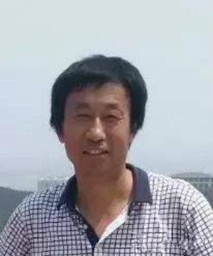 平阴县玫瑰研究所副所长孟宪水照片