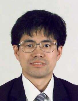 上海大学教授李春芳
