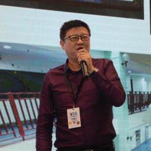 上海平和双语学校校长助理李勇翺照片