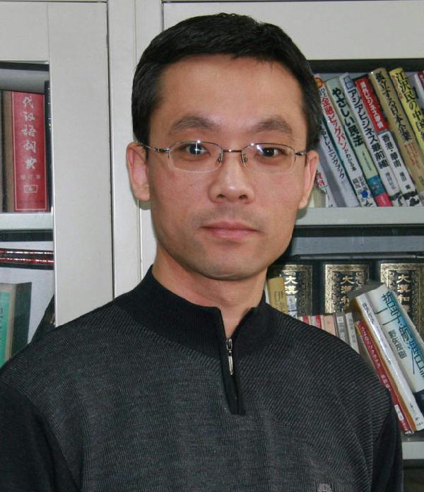 北京语言大学教授张威