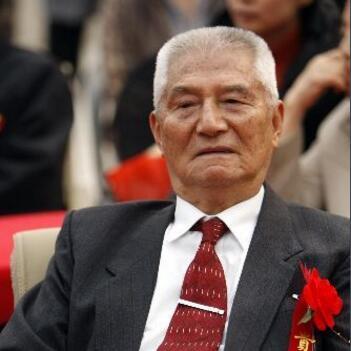 中共中央党校原副校长邢贲思
