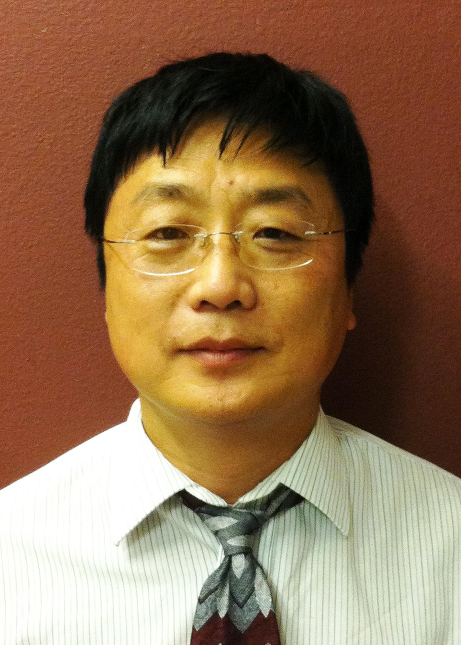 西安交通大学苏州纳米科学与工程技术学院教授连崑照片