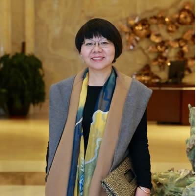 苏州大学纺织与服装工程学院教授郑敏照片