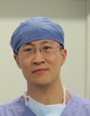 中国武警总医院眼眶病研究所副教授王毅照片