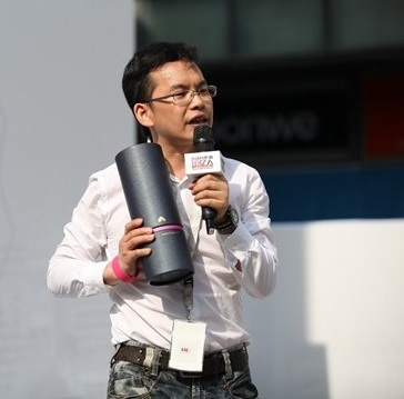 京东原市场总监封华平照片