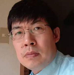 中国针灸推拿协会副会长姚君弘照片