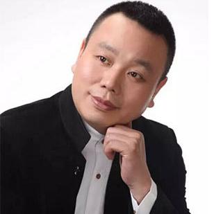 全国中医养生专业委员会副主席严望平照片